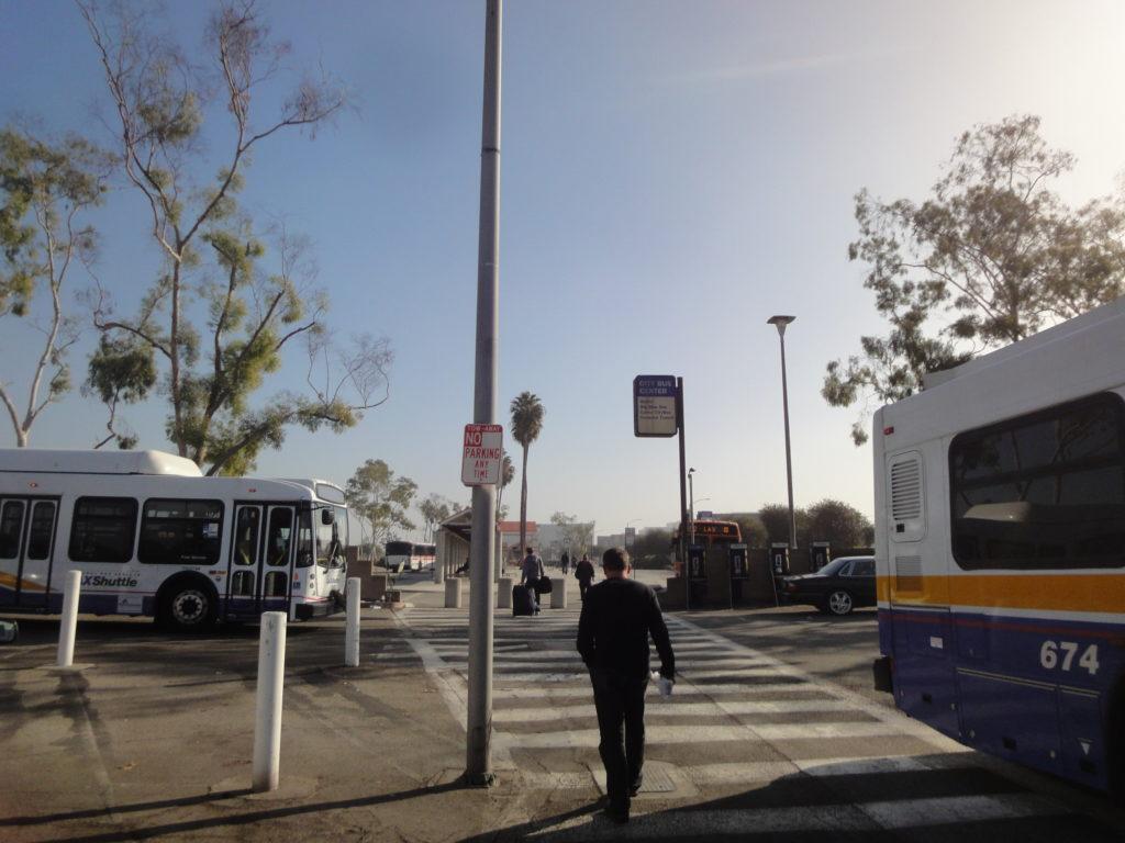 ロサンゼルス空港 City Bus Center