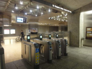 ロサンゼルス地下鉄 改札