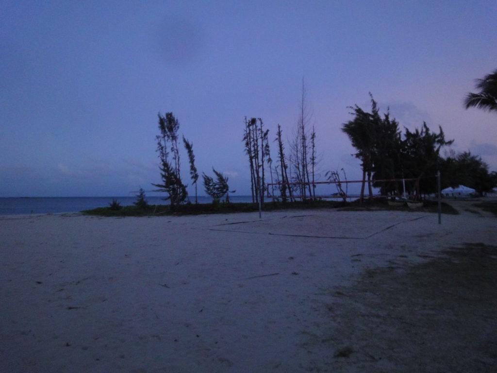 マイクロビーチのビーチバレーコート