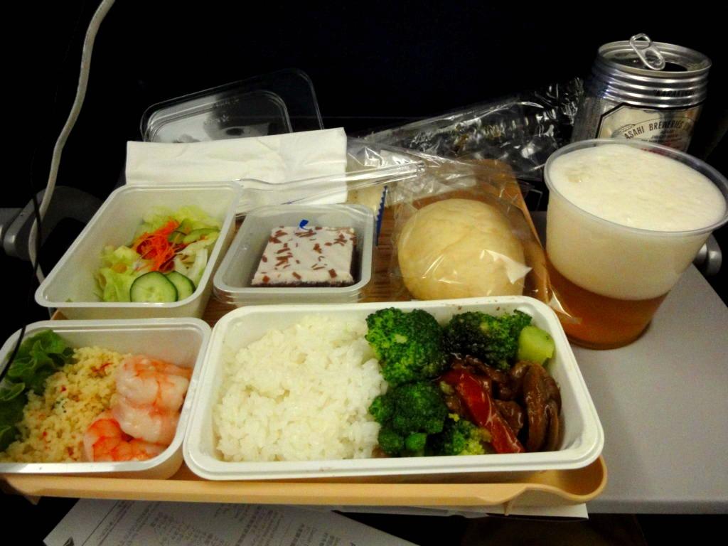 デルタ航空ポートランド行きエコノミークラスの食事
